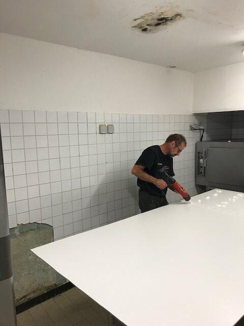Carrelage a renover en plaque PVC