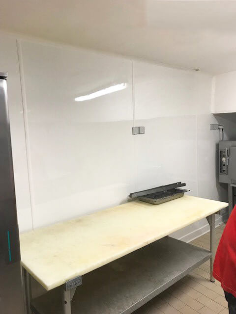 Carrelage laboratoire en renovation plaque PVC