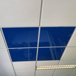 Dalle faux plafond 600 X 600 bleue 3 mm brillante lavable