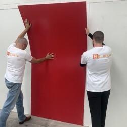 Plaque PVC rouge framboise 2.5 mm satinée pour rénover vos murs