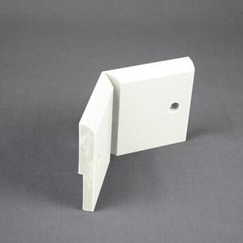 Angle Interne pour Plinthe Polyéthylène Blanche avec découpe pour U de sol