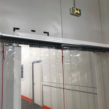 Rideau a lanieres PVC coulissant double rail