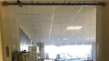 rideau pour isolation phonique dans une imprimerie