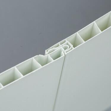 Système de feuillure d'un lambris PVC blanc