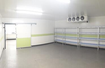 Chambre froide rénovée : panneaux sandwich et installation