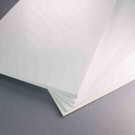 Différentes épaisseurs de plaques PVC